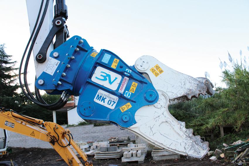Trevi Benne har utvecklat en ny modell av sin multisax. Den kallas MK 07 och är den minsta hittills med en verktygsvikt på 660 kg. Den passar för bärarmaskiner mellan 7 och 9 ton.