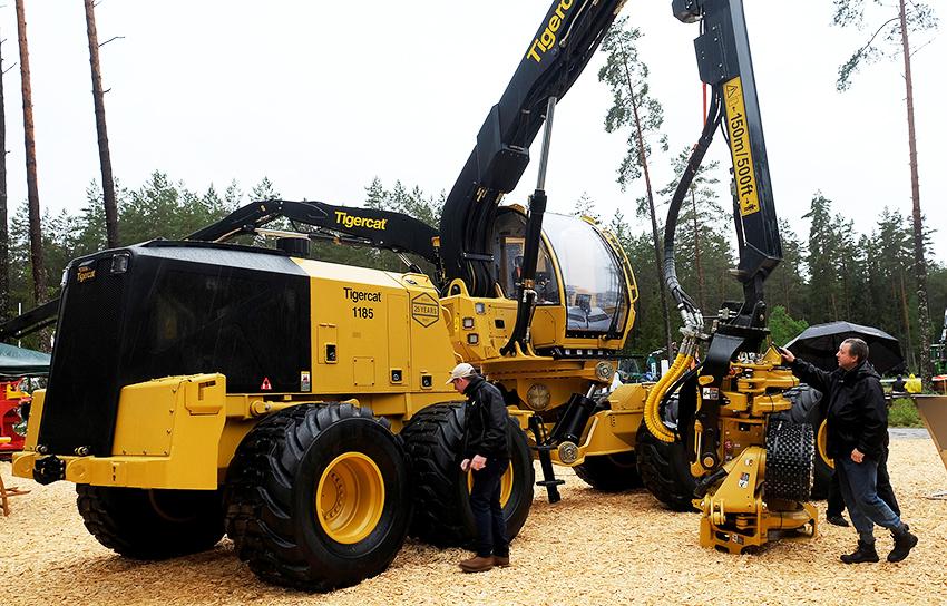 Världens största skördare på 8 hjul hade världspremiär på Elmia Wood – Tigercat 1185.