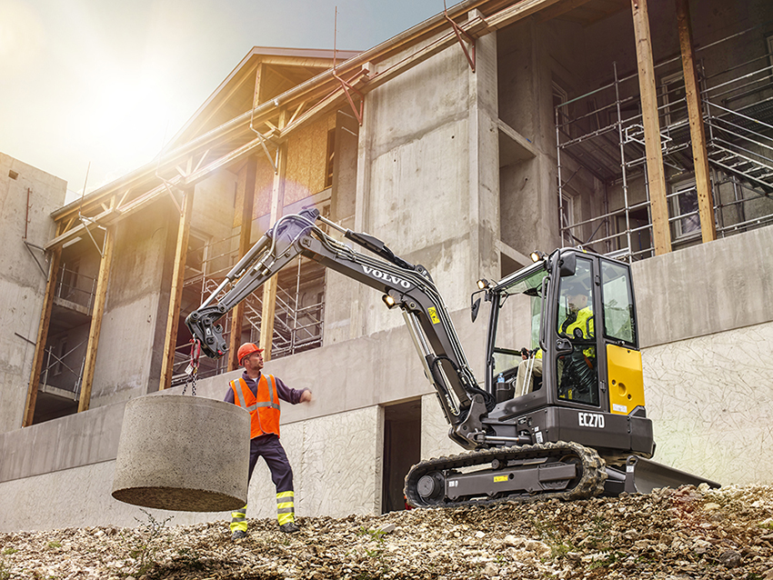 Hero picture of the compact excavator EC27D