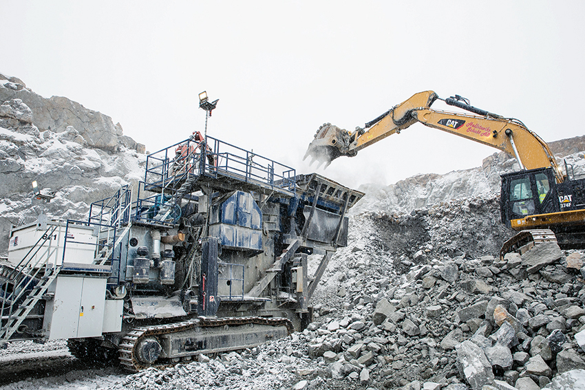 I Vällsta krossar Hallstaviks Schakt 8000 ton om dagen och det finns inget utrymme för dyrbara driftstopp.
