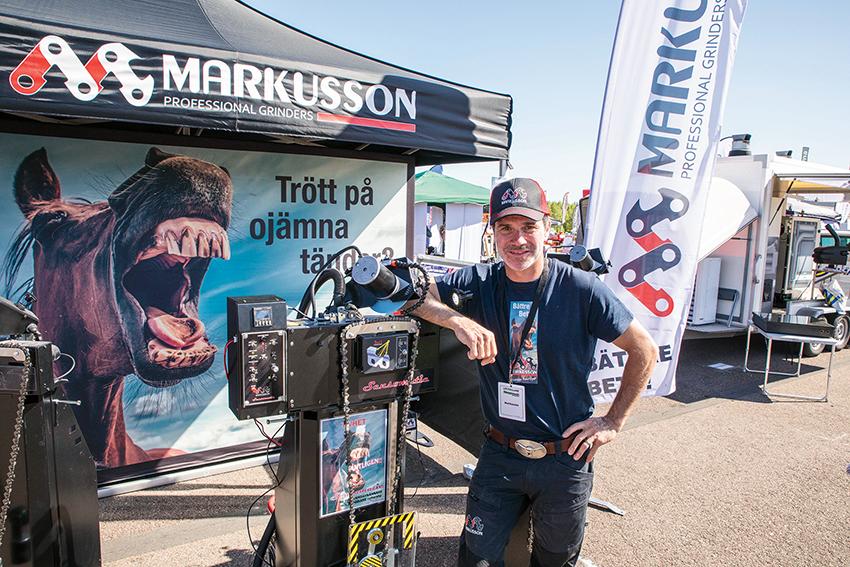 Oscar Löwenhielm på Markusson, presenterade en världsnyhet på Skogsmaskindagarna. Nyheten kallas Senomatic och innebär att företagets kedjeslipmaskiner kan utrustas med en tandavkännare.