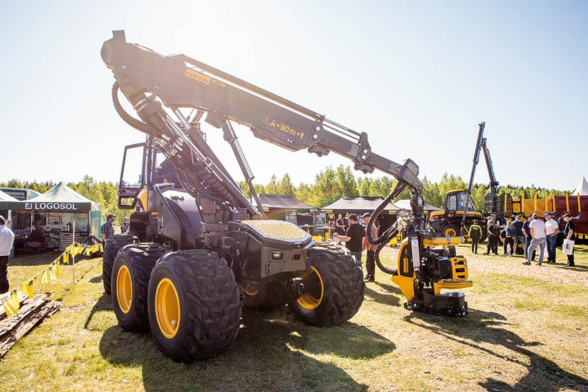 """Skogsmaskindagarna som för tredje gången arrangerades i Karlskoga presenterade ett 100-tal utställare och lockade cirka 6 000 besökare. Alla de """"stora"""" maskintillverkarna fanns på plats. Foto: Per Eriksson"""