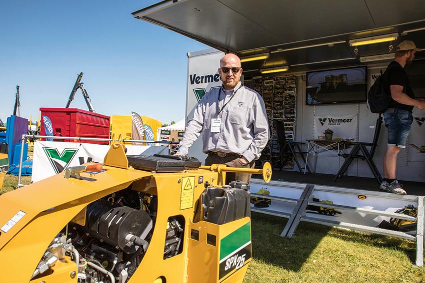 Adrianus Hoondert, vd på på Vermeer Viking visade det senaste från Vermeer. Bland annat den nya vibroplogen SPX25 som är en idealisk maskin för kabel, fiber och bevattningsentreprenörer.