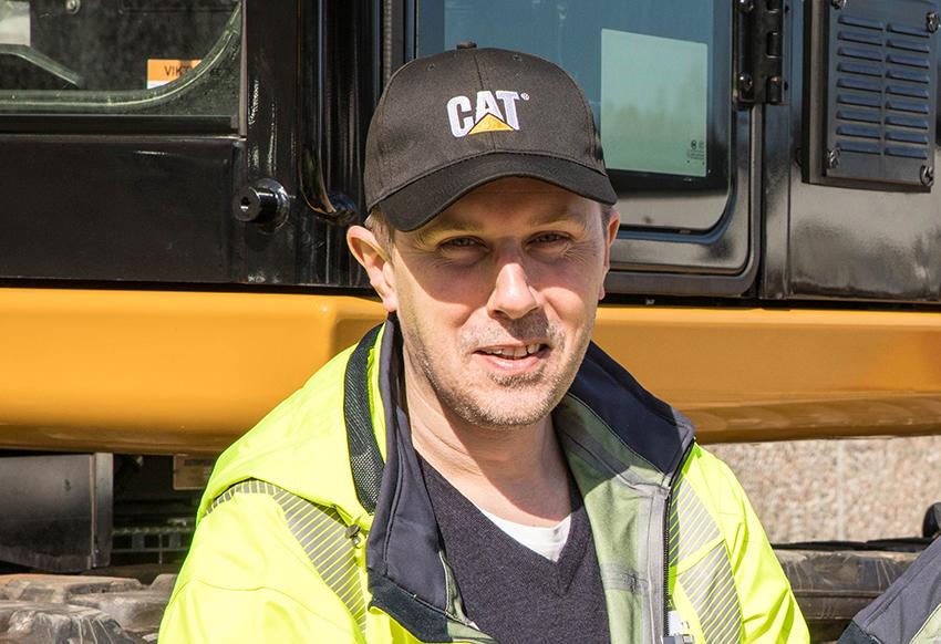 – Hela den nya generationen har tagits emot med ett enormt stort intresse. Det märkte vi inte minst under Maskinmässan. Därför känns det extra roligt att kunna presentera nya Cat 336, berättar Fredrik Forsman, produktchef för stora grävmaskiner vid Pon Equipment. Foto: Per Eriksson.