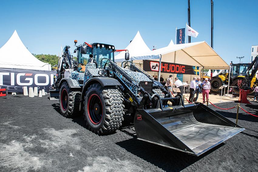 På Svenska Maskinmässan presenterade Huddig de förseriemaskiner som nu sålt till utvalda kunder som kommer få vara med i utvecklingen av de maskiner som förhoppningsvis kommer lanseras med start 2020. Foto: Per Eriksson
