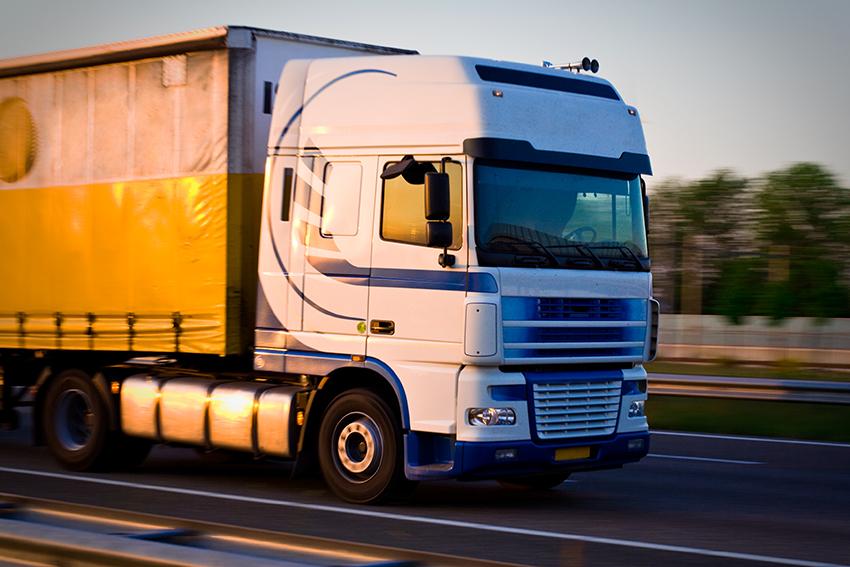 1 juli öppnas delar av vägnätet för 74-tons lastbilar. Fotograf: Peter Kirillov
