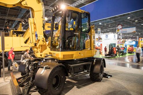 Komatsus nya 15-tons hjulgrävare (PW148-11) som lanserades på Intermat i år kommer till Entreprenad Live. Det är en kompakt men ändå stabil maskin med bomfjädring, spakstyrning, ny stol, grävbroms och flytläge. Foto: Per Eriksson.