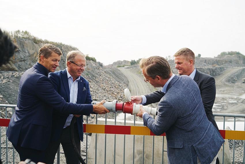 Fr. v.: Melker Jernström, vd Volvo CE, Martin Lundstedt, vd Volvo, Mikael Damberg, f.d. närings- och innovationsminister och Anders Danielsson, vd Skanska.