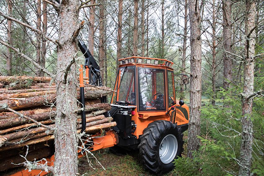 Woodtiger GJ30 skotare på gallringsdagarna. Nu finns även planer på att ta fram en skördare i samma storlek. Foto: Per Eriksson