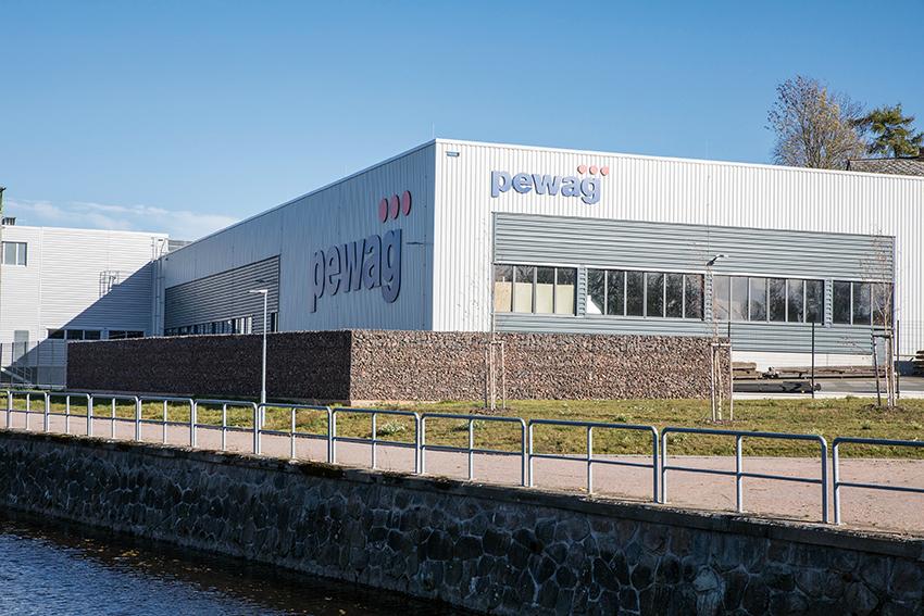Pewag har invigt en ny fabrik i Vamberk, Tjeckien. Där tillverkas företagets skogsband och kedjor.