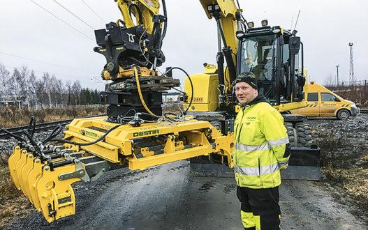 Pandrol AB i Hudiksvall lanserar under varumärket Rosenqvist Rail den nya slipersläggaren SL550 som hanterar fem slipers åt gången. Den är idealiskt för projekt där slipers kommer lastade i moduler om fem eller tio slipers. Foto: Rosenqvist Rail.