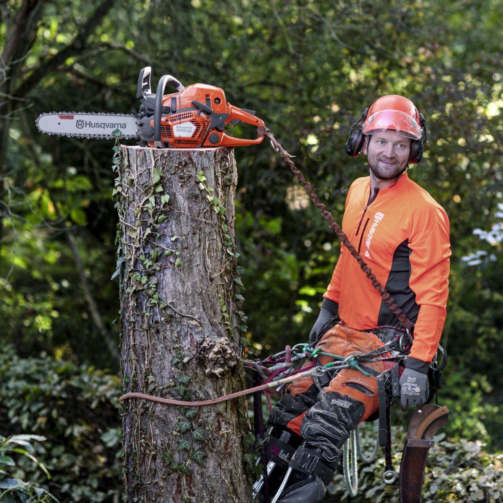 Martin-Gîtz-in-tree-with-550XP-Mark-II-H150-0464b-1-1024x1024
