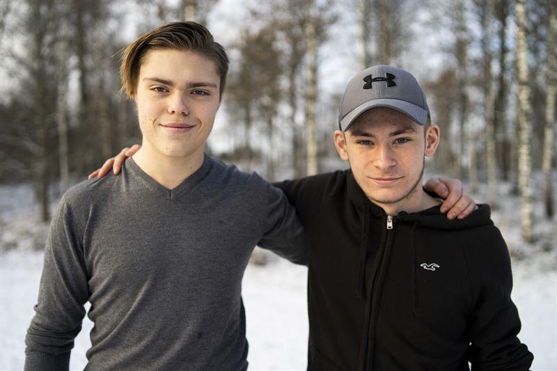 Joakim Andersson och Hugo Anberg från Naturbruksskolan i Svenljunga deltar i EM i Skog. Foto: Richard Cederfjärd
