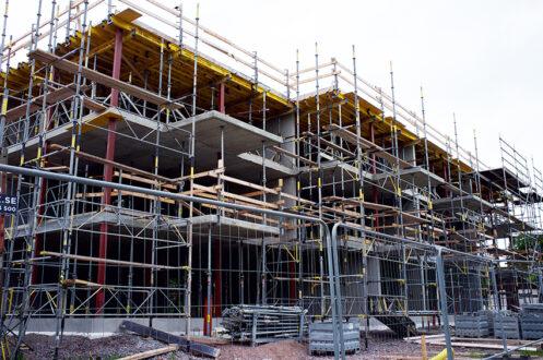 Analysföretaget Industrifakta beräknar de totala investeringarna inom husbyggandet i Norden för helåret 2018 och siffrorna visar en nedgång.
