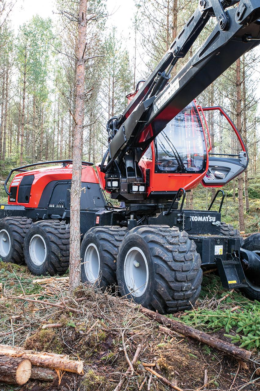Skogsmaskintillverkaren Komatsu har tillsammans med skogsbolagen startat ett projekt för skonsammare skogsbruk. Foto: Per Eriksson