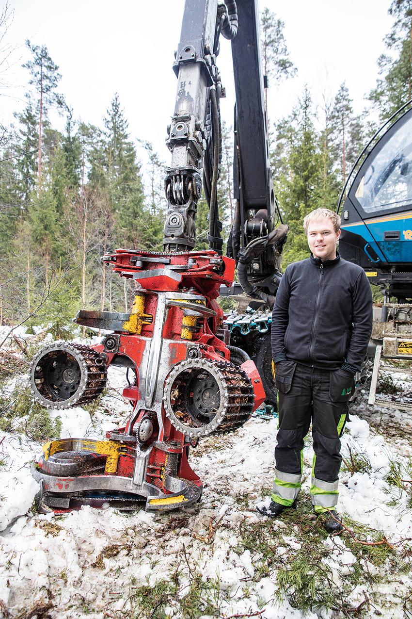 Henrik Ström, maskinförare på MK Forest i Ljungby kör en Rottne H 11D med SP561 LF.
