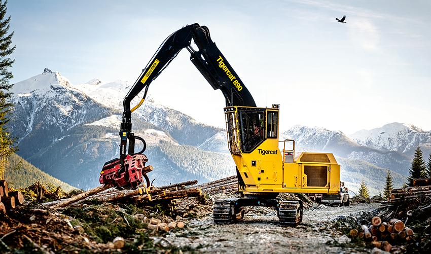 Tigercat lanserar sin största masin någonsin. Det är den larvurna loggern Tigercat 890 som väger 47.900 kilo. Maskinen har en Tigercat motor på 330 hästkrafter.