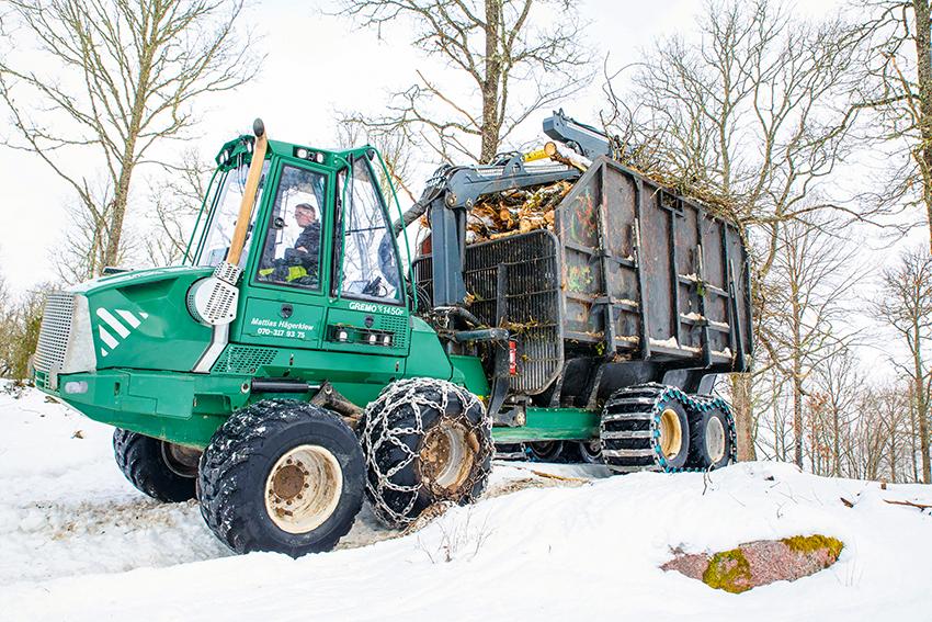 Mattias Hägerklevs Gremo 1450 F vid uppröjning av betesmarker på uppdrag av Linköpings Skogstjänst som åtar sig uppdrag av Baroniet Adelswärd i Åtvidaberg som är en av sveriges största privata markägare. Foto: Per Eriksson