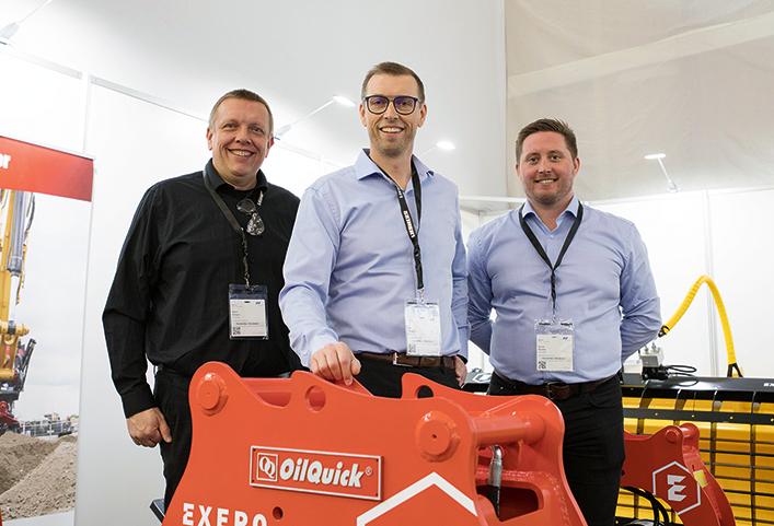 Svenska Exero visade upp företaget sortiment på Bauma. Fr. v: Stefan Hellgren, Lars Hellgren, vd och Henrik Munter, säljansvarig. Foto:Per Eriksson.