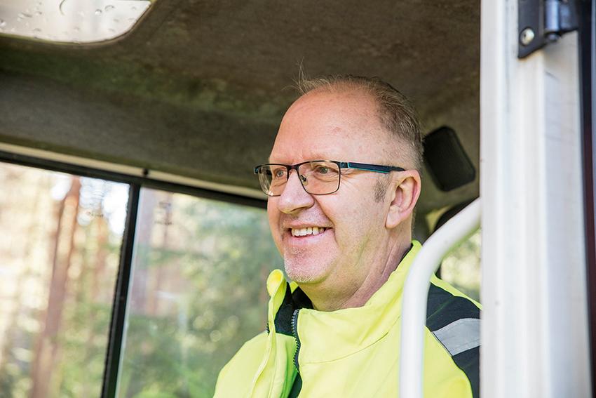Mikael Peterson. Skogsägare i Harbo.