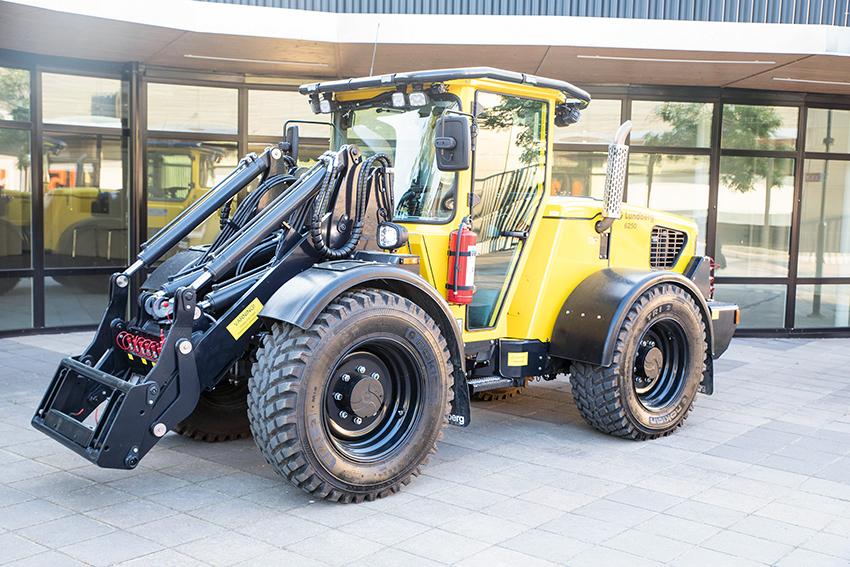 Nya Lundberg 50-serien premiärvisades för branschpress och utvalda kunder på DriveLabs i Arlandastad den 22 maj. Den nya maskinen har bland annat ny stegV-motor från Deutz. Foto: Per Eriksson