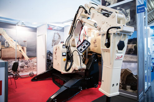 På Bauma visades rivningsroboten Rocbot 2500 i ett heavy-duty utförande utan svängbara stödben. Foto: Per Eriksson