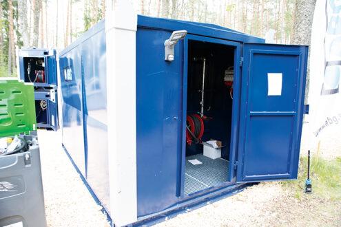 AB Gårdscisterner visade en 20 fots containertank på SkogsElmia. Tanken kundanpassas och kan förses med en rad tillbehör. Foto: Per Eriksson