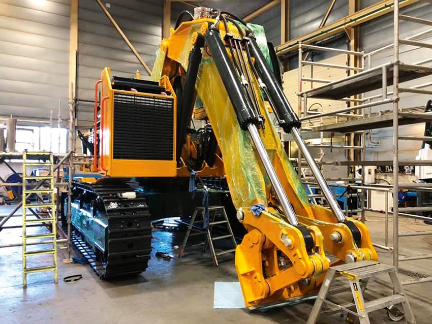 En ny norsk grävmaskin ser snart dagens ljus. Det är en hybdridmaskin som Skanska ska använda i tunnlar. Foto: Andersen Mek verkstad AS
