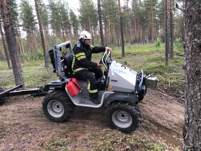 Miniskotaren Vimek Minimaster har en snart 30-årig historia. Företagets båda grundare, innovatörerna Nils-Erik och Lars-Gunnar Nilsson, utvecklade maskinen.
