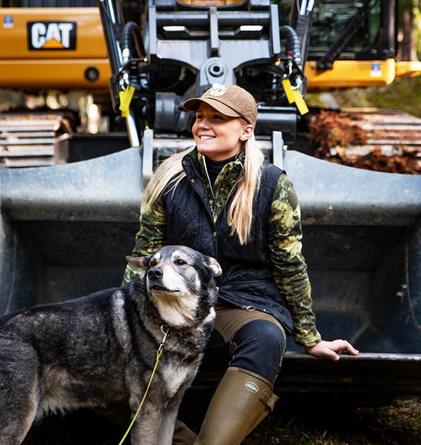 För att uppmärksamma den smarta vågen, Payload lanserar Pon Equipment nu en film där grävmaskinen får  sällskap av jaktprofilen Caroline Benilton och jämthunden Milo.