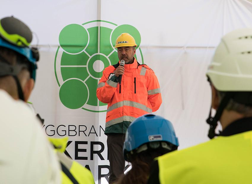 Genom att många aktörer drar åt samma håll kan vi skapa ordning och reda i branschen. Enbart i Peab är vi 15.000 medarbetare och vi har högsta fokus på att alla ska komma hem oskadda från jobbet, säger Jesper Göransson, vd på Peab.