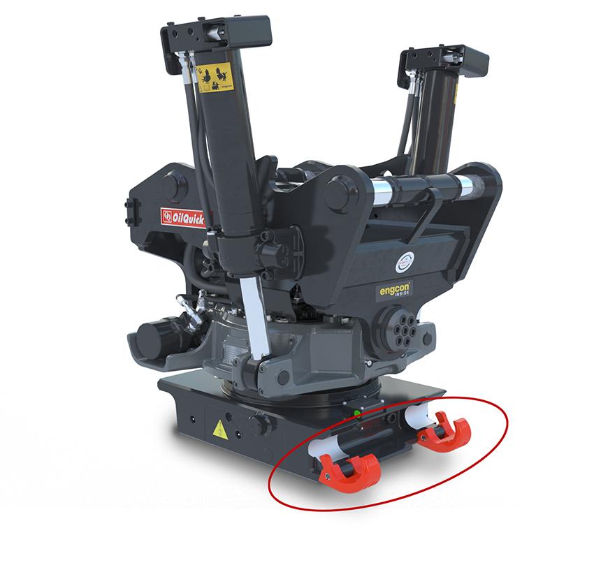 Nu har OilQuick även tagit fram en innovativ fallsäkring – OQSH, som förhindrar farliga tapp av redskap runt maskinen. Vid slarvig eller felaktig koppling av föraren så fångar OQSH´s säkerhetskrokar redskapet i alla lägen.