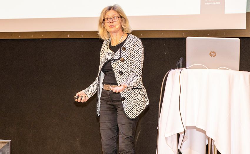 Lena Larsson, projektledare på Volvo Lastvagnar var en talarna på Skogforsks seminarium Transport & Logistik 2020. Foto: Per Eriksson