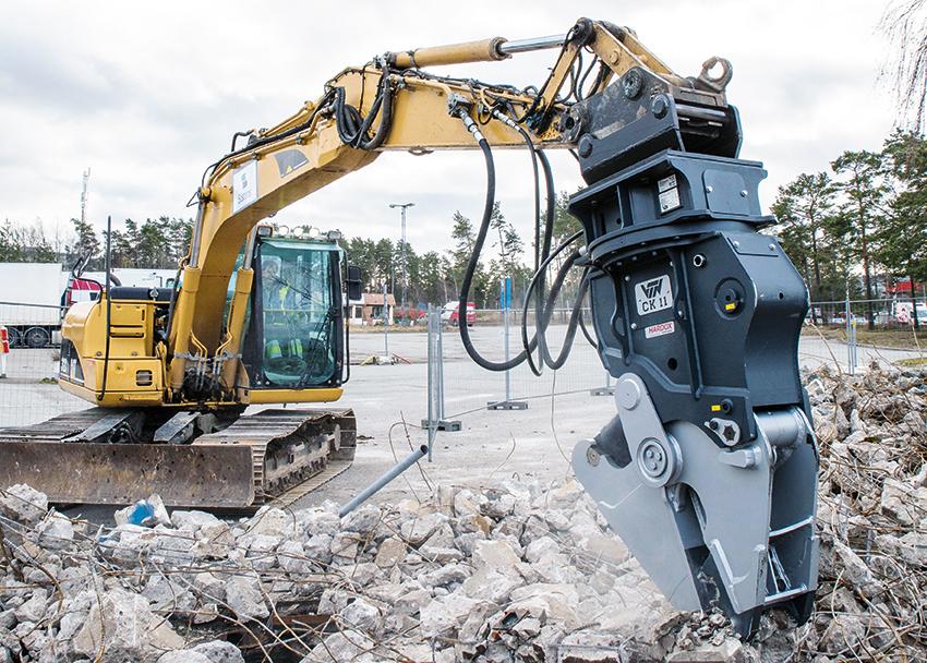 Bo Karlsson driver sedan mer än 30 år Bo's Markarbete och Uthyrning. Företaget har sitt säte i Karlstad men utför i huvudsak rivning av drivmedelsanläggningar över hela landet. I maskinparken finns en Cat 312CL och numera även en effektiv kombisax från italienska VTN.