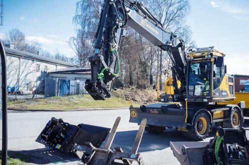 Nu tillkännager Steelwrist och Rototilt gemensamt ambitionen att uppnå global utbytbarhet mellan redskap med integrerade oljekopplingar inom den Symmetriska standarden. Foto: Per Eriksson